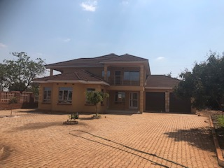 New 43 standalone double storey house for rent 4 bedrooms