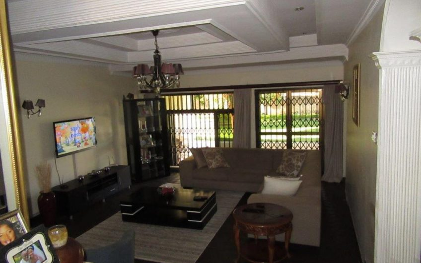 5 bedrooms standalone all en-suite house for rent in new 43. With a swimming pool