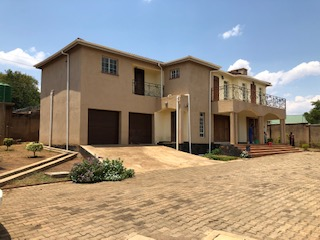 4 bedrooms area 10 double storey town houses for rent