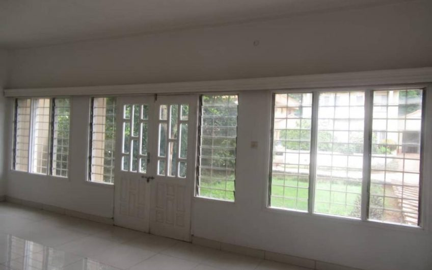 1,2 and 3 bedrooms flats for rent in area 3
