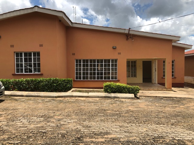 3 bedrooms town houses for rent in area 3 masters en-suite separate dining and living room