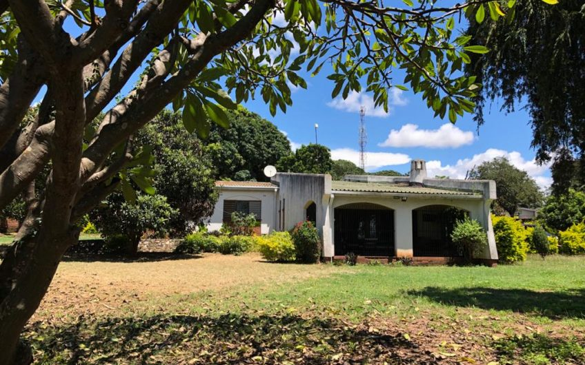 Stand alone house in old 43 for rent 3 bedrooms