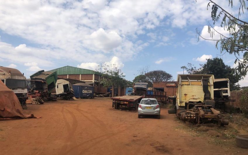 Yard with offices for rent ideal for transporters